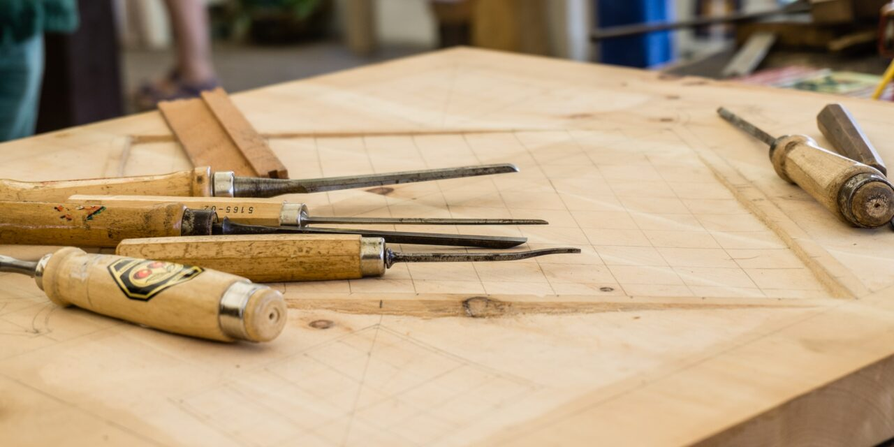 8 Easy Woodworking Projects You Can DIY – 2021 Guide