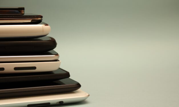 4 Reasons Why Opting for a Second-Hand Smartphone is Not a Bad Idea