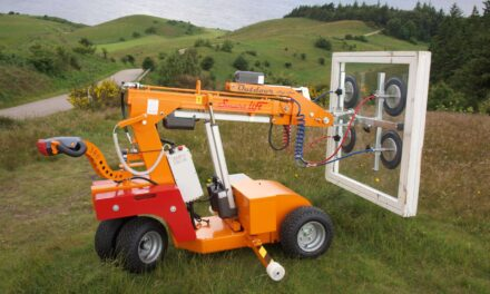 Should Your Company Use Glass Lifting Robots?